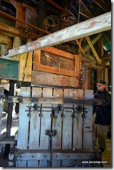 Cotton Bale Press