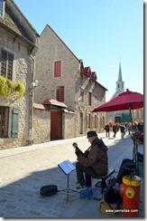Music along Rue Notre Dame