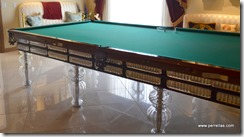 Crystal pool table